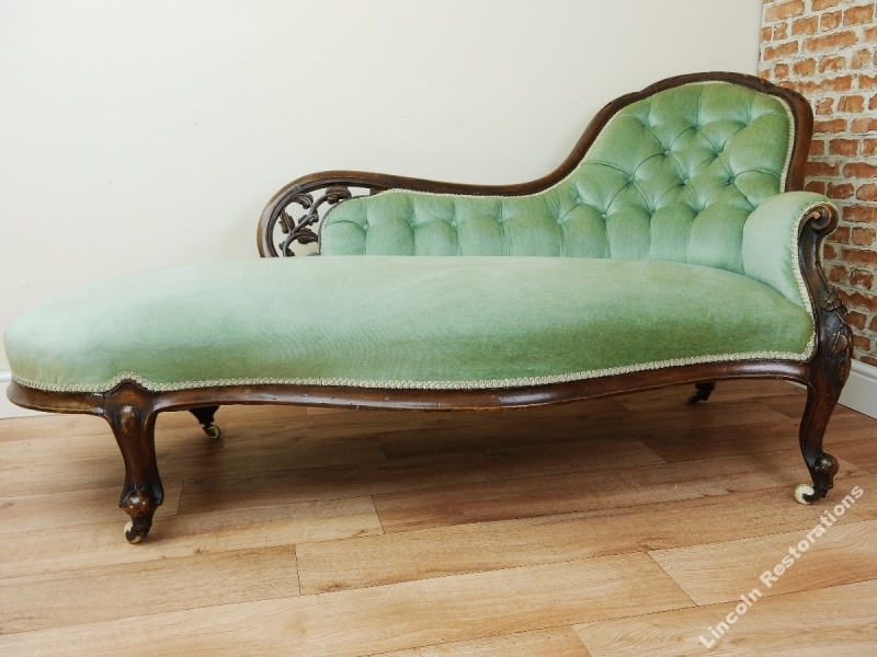 Antique victorian walnut carved buttoned chaise longue for Antique chaise longue ebay